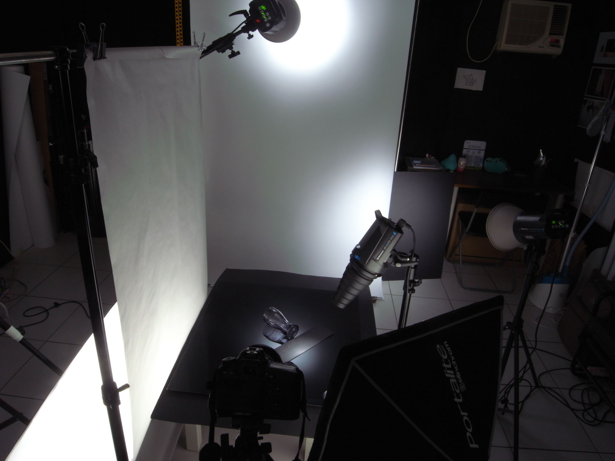 用五支灯拍摄可口可乐世足纪念玻璃杯 职业级商摄布光教学