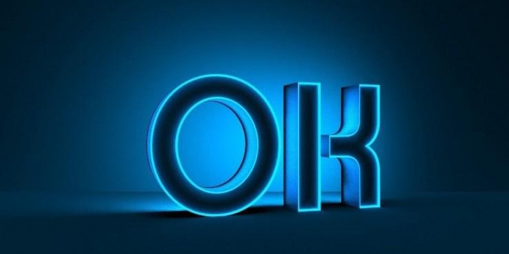 這PS設計的風格比較屬於課技類的3D字體,適合做封面LOG